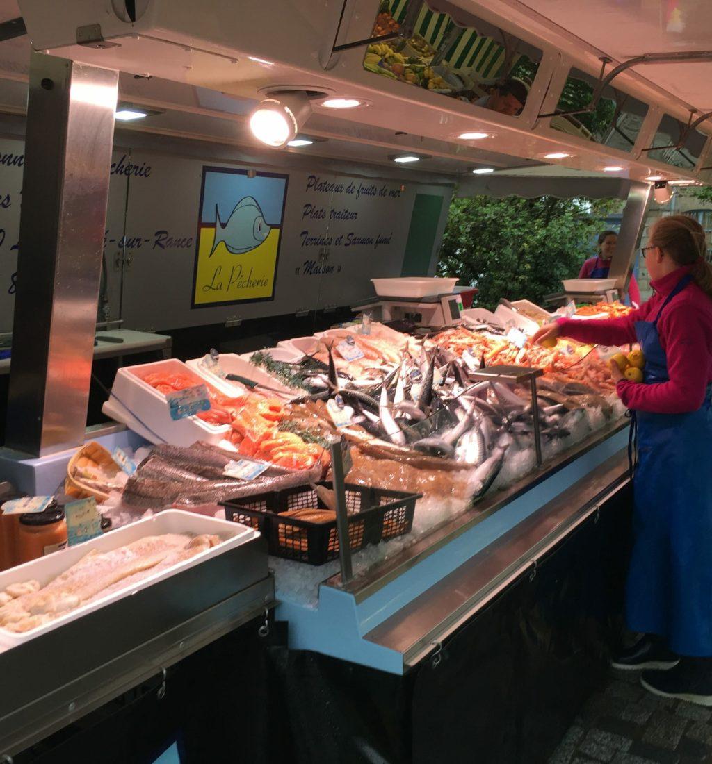 marché de fougeres la pecherie